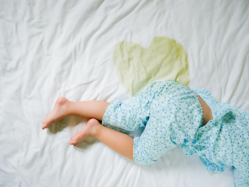 pipi în pat