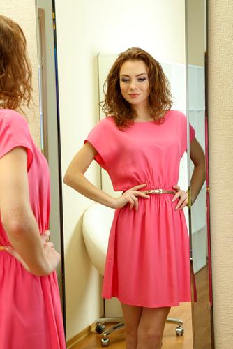 cum să te simți bine în pielea ta rochie nouă