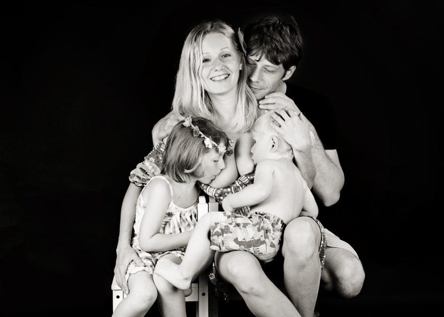 Alăptare în tandem | Totul despre mame
