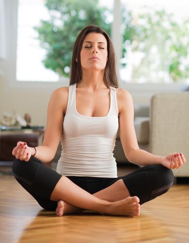 Meditație împotriva răcelii femeie