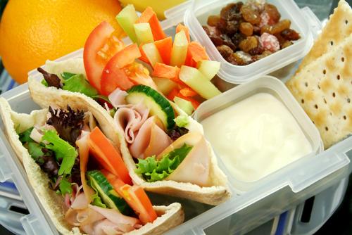 gustări pentru școală caserolă cu mâncare
