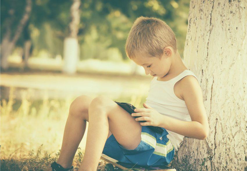 Gadgeturile copiilor versus gadgeturile de pe vremea noastra / Totul despre mame