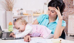 Mama lucreaza de acasa/Totul despre mame