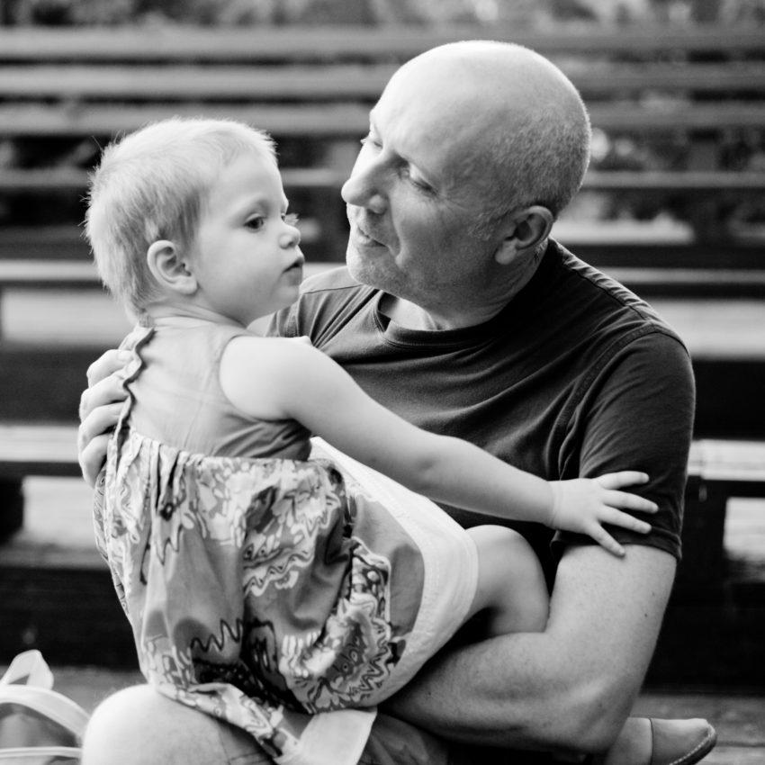 Ian Peatey împreună cu fiica lui / Totul despre mame