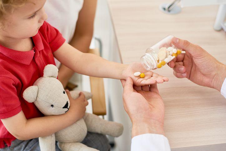 copil care ia suplimente pentru imunitate medic