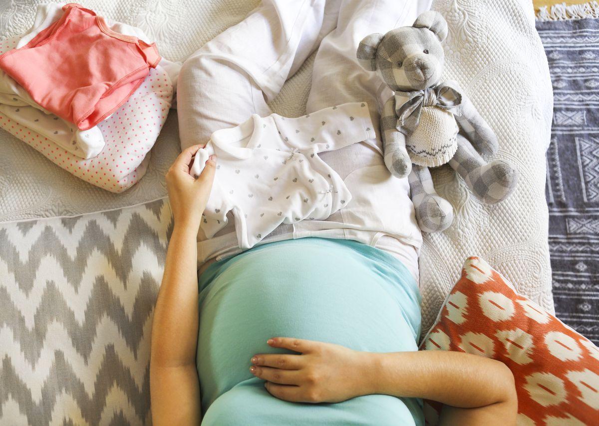 Cum să faci bani pe concediu de maternitate la domiciliu - Lucrează acasă