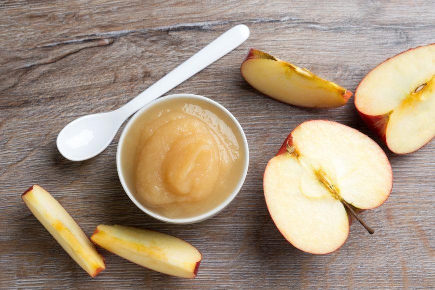 Piure de mere pentru bebeluși