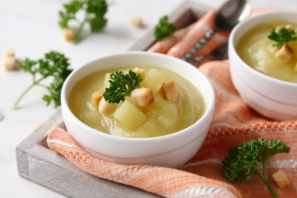 supa cremă de cartofi pentru bebeluși bol