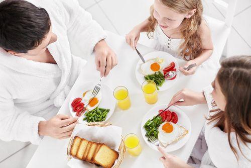 mic-dejun-familie-totul-despre-mame
