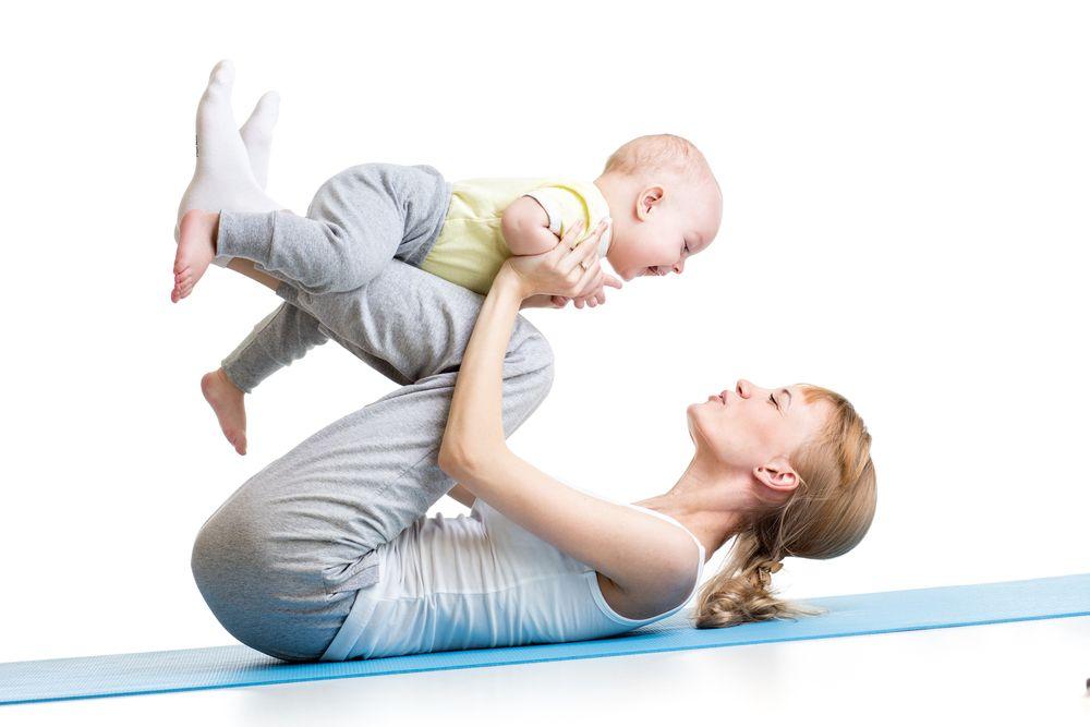 exerciții cu bebelușul