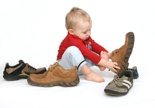 cum-alegi-incaltamintea-copilului