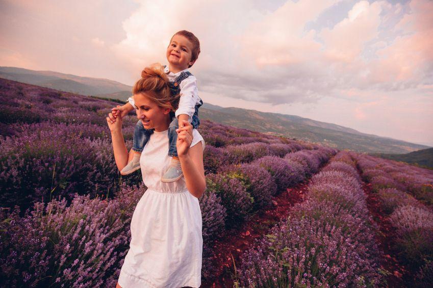 copii-fericiti-totul-despre-mame