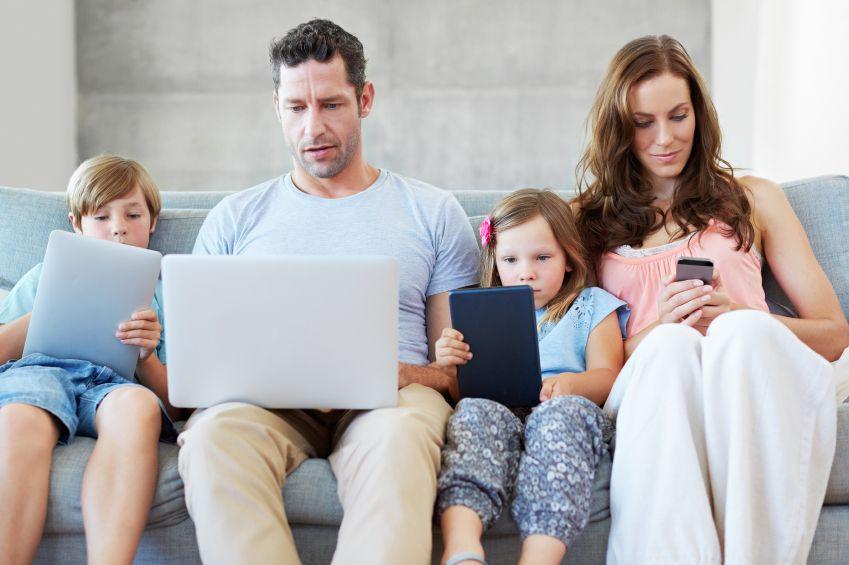 efectele-tehnologiei-asupra-cresterii-copiilor-totul-despre-mame