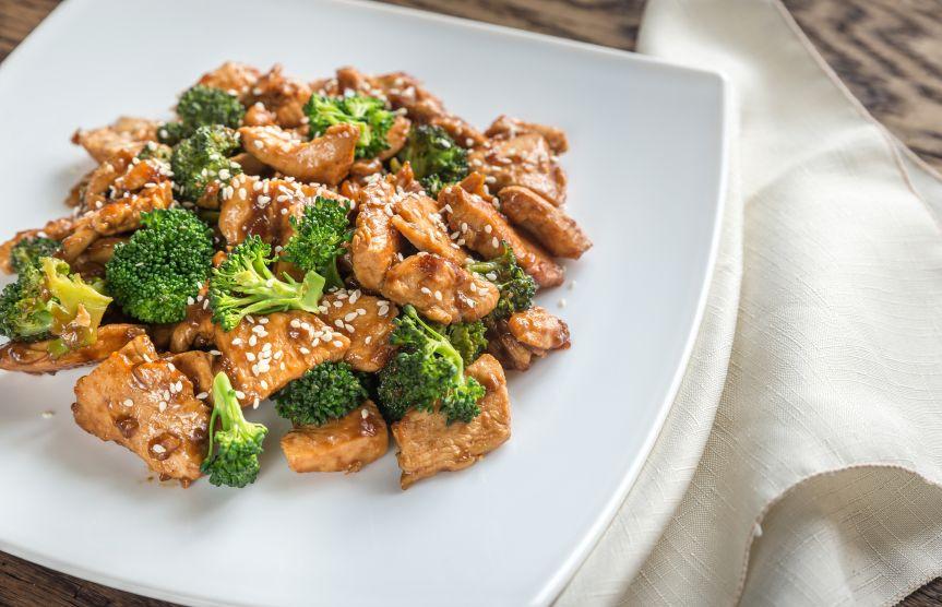 Piept-de-pui-cu-broccoli-totul-despre-mame