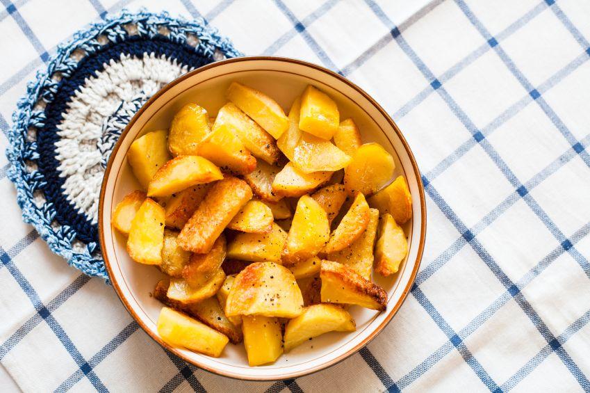 cartofi-copti-cu-parmezan-si-usturoi-totul-despre-mame