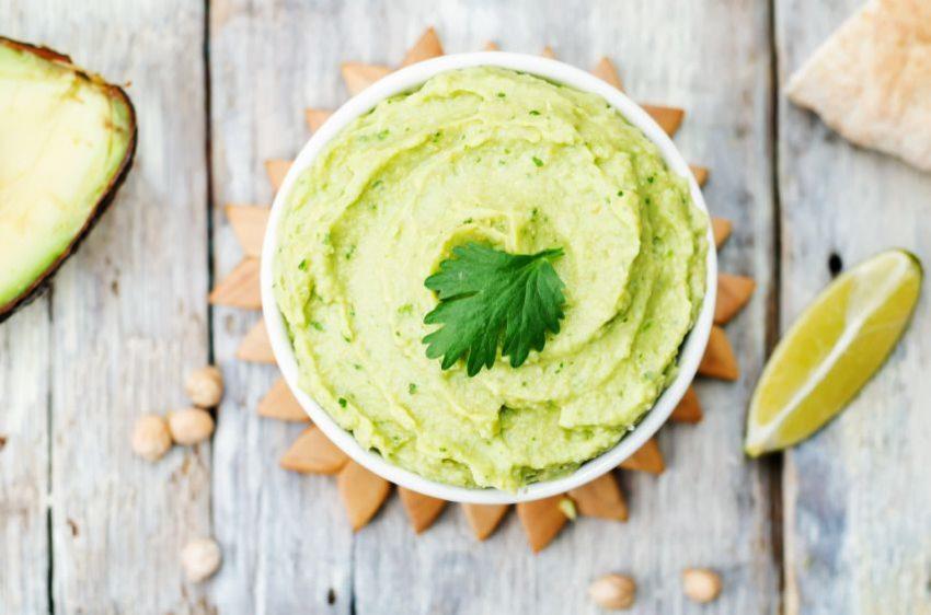 humus-cu-avocado-totul-despre-mame