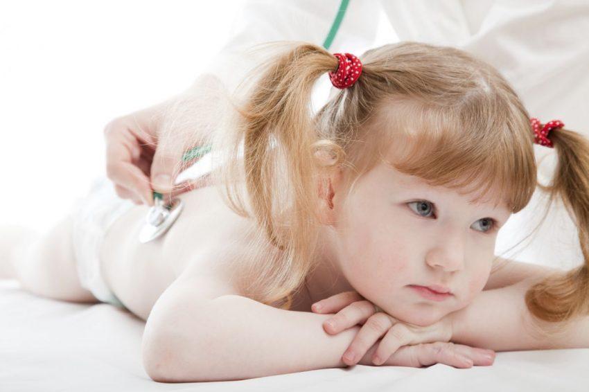simptome-care-te-trimit-la-urgenta-cu-copilul