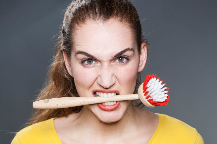 speli pe dinti