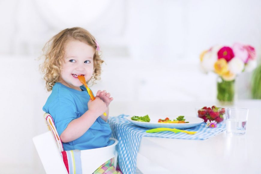 cum iti incurajezi copilul sa manance moderat totul despre mame