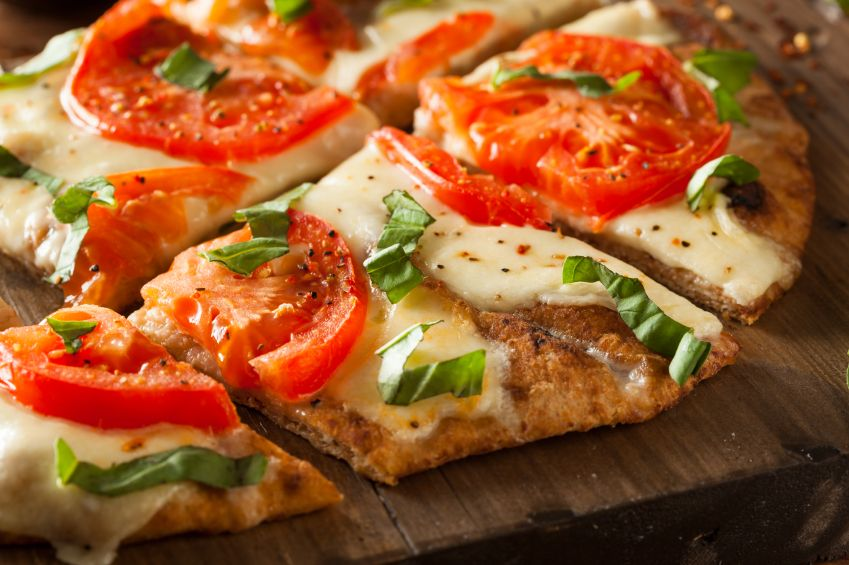 pizza cu pui si aluat de casa