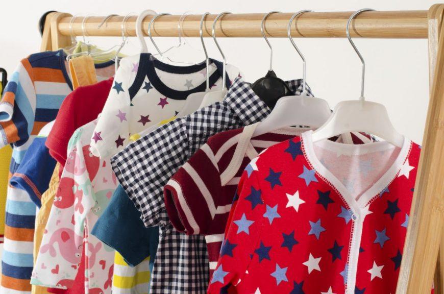 hainele bebelușului