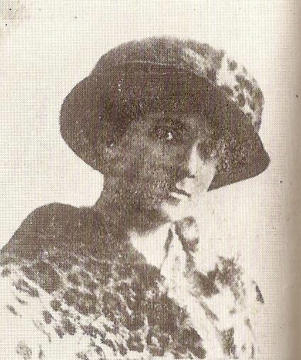 Elena Caragiani Stoenescu, prima femeie pilot din Romania - expoziție