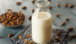 laptele de migdale preparat in casa