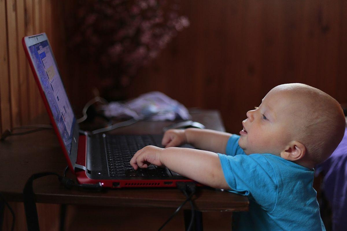 activitatea-copilului-online