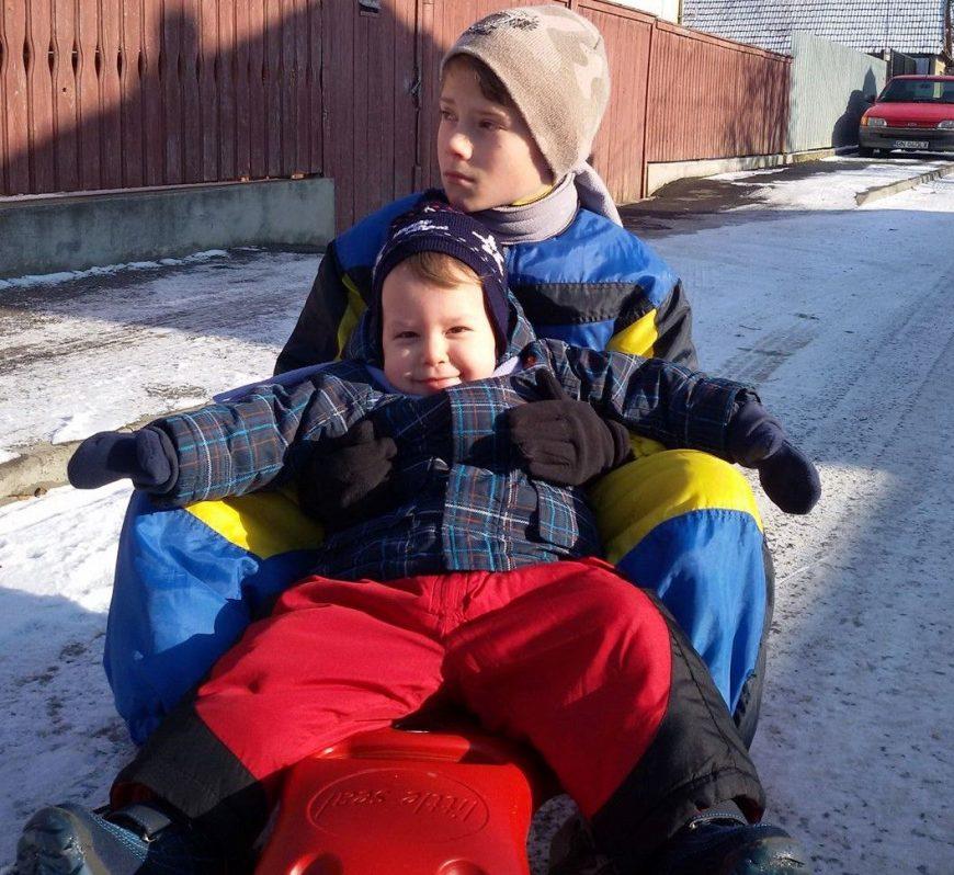 David si George Viața cu autism