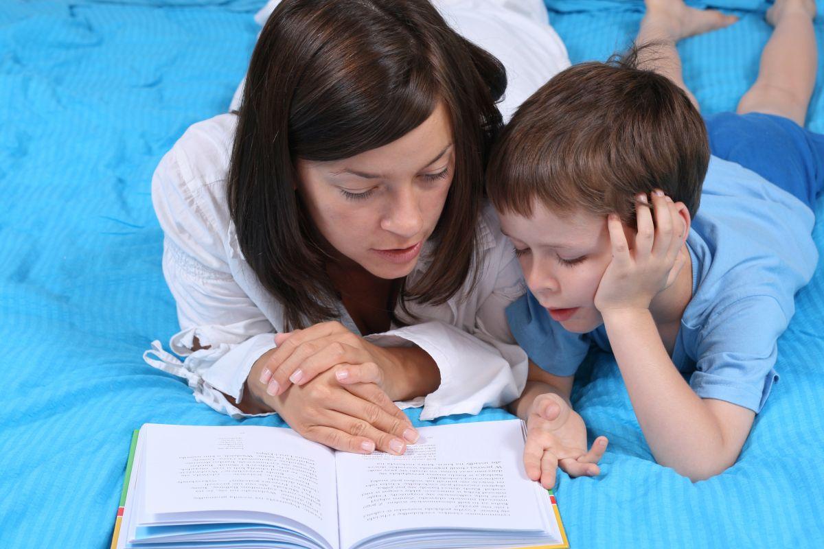 mama copil citesc