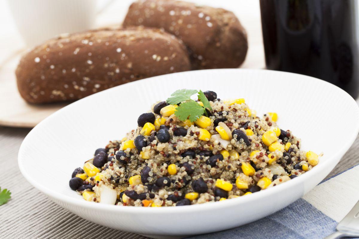 salată de quinoa