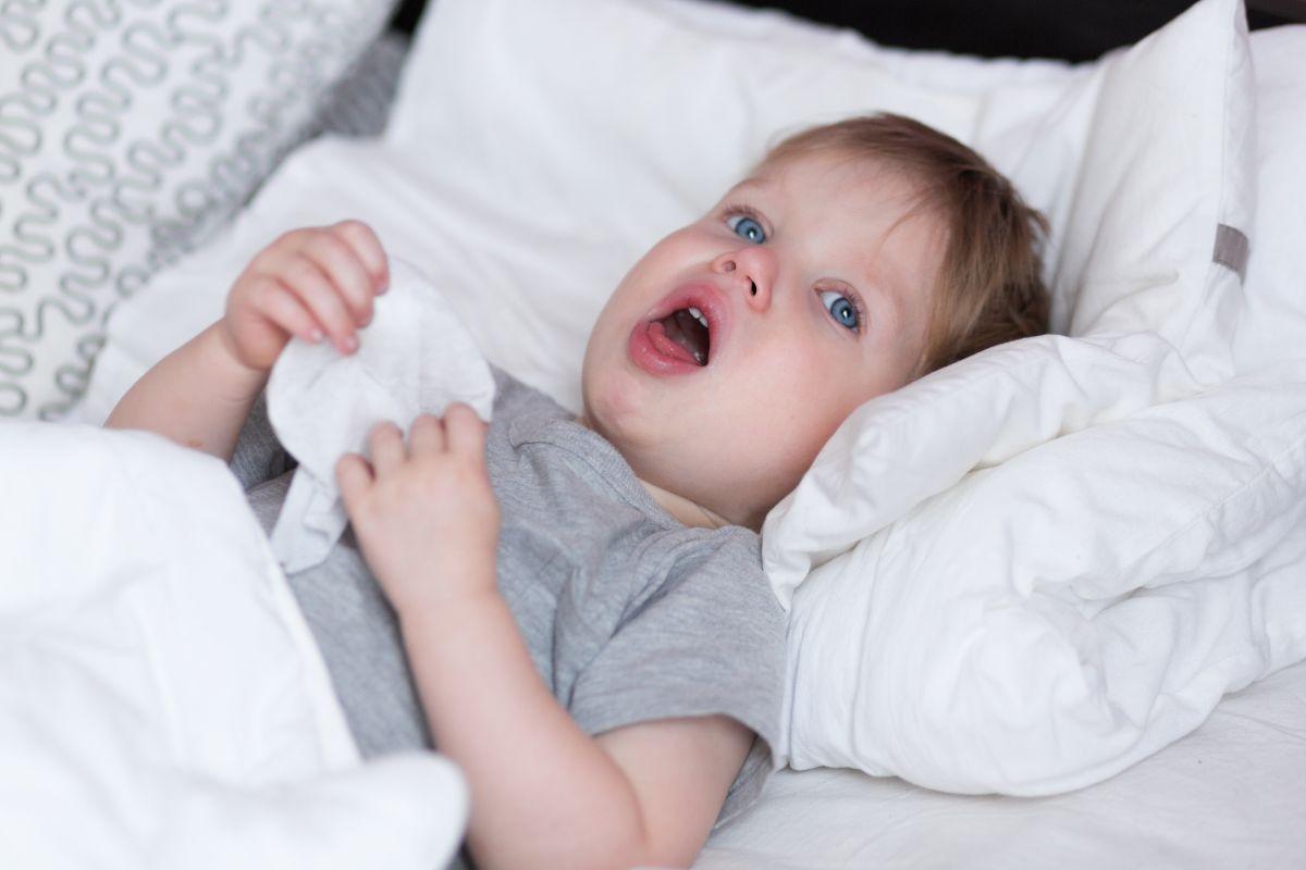 Cum calmăm tusea nocturnă a copiilor