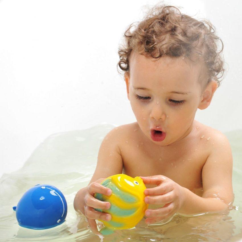 jucării ecologice pentru bebeluși
