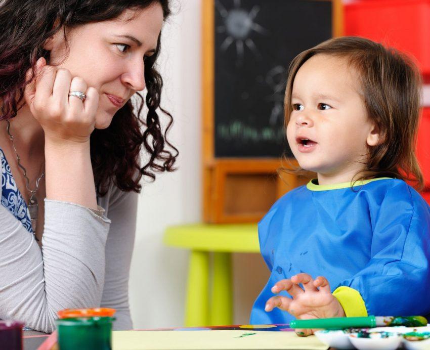 cuvinte pe care un copil ar trebui să le știe până la vârsta de 2 ani