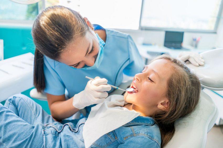 cauze ale dinților înghesuiți la copii