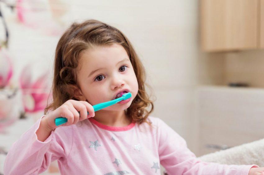 îngriirea dinţilor la copii