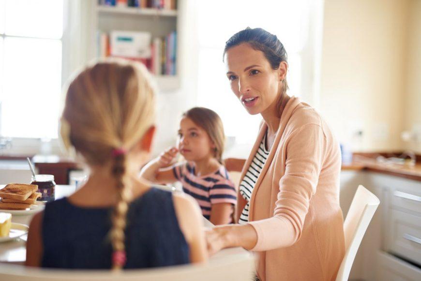 părinte să-și asculte copiii