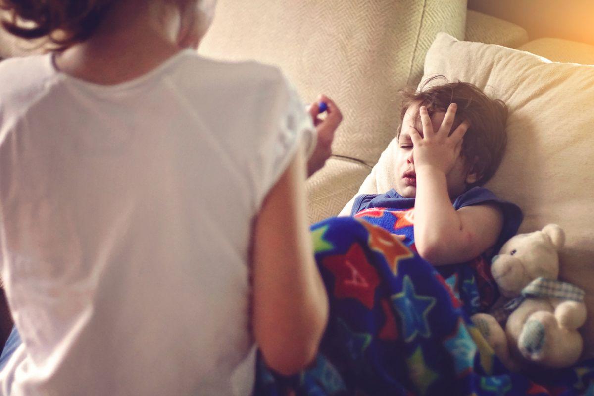 copil racit u febră