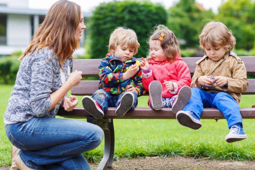 Mamele cu trei copii