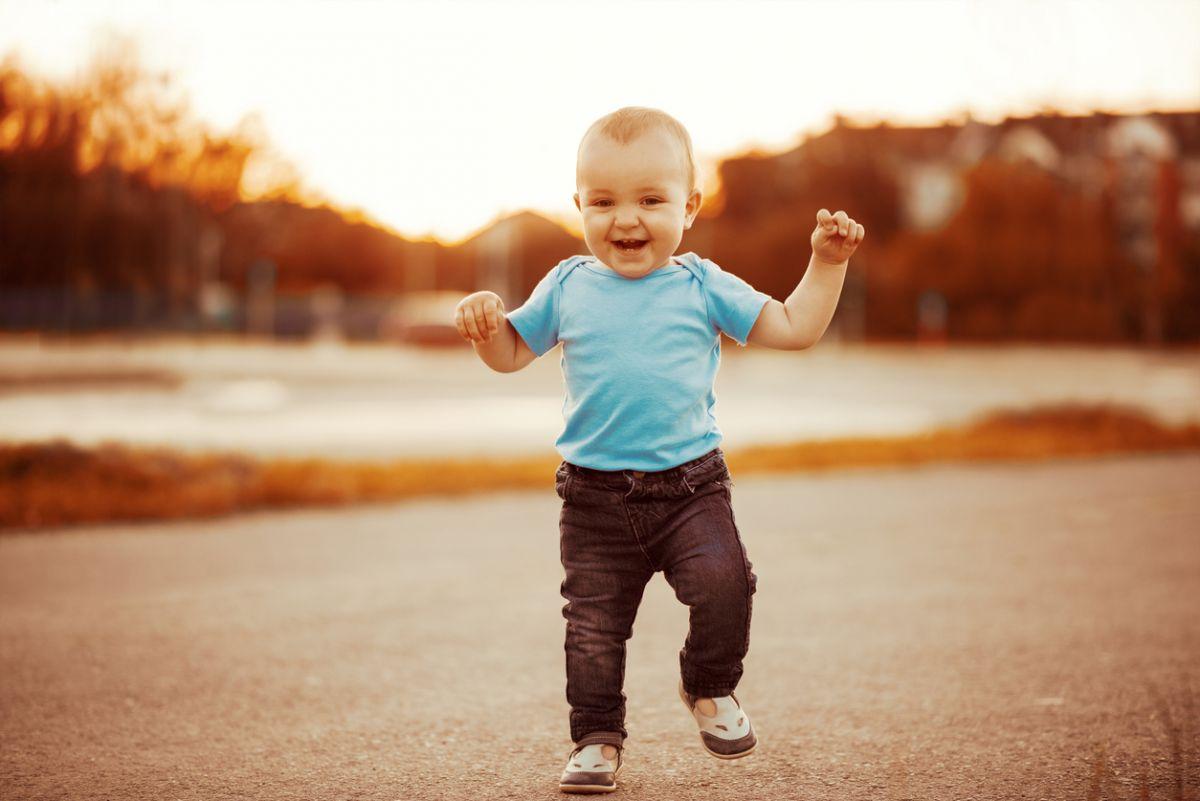 primii pași ai copilului