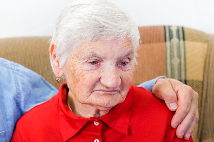 bunica cu o ruda acasa