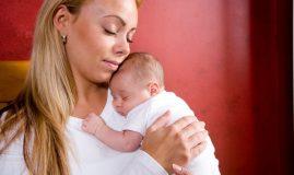 mama bebelus in brate
