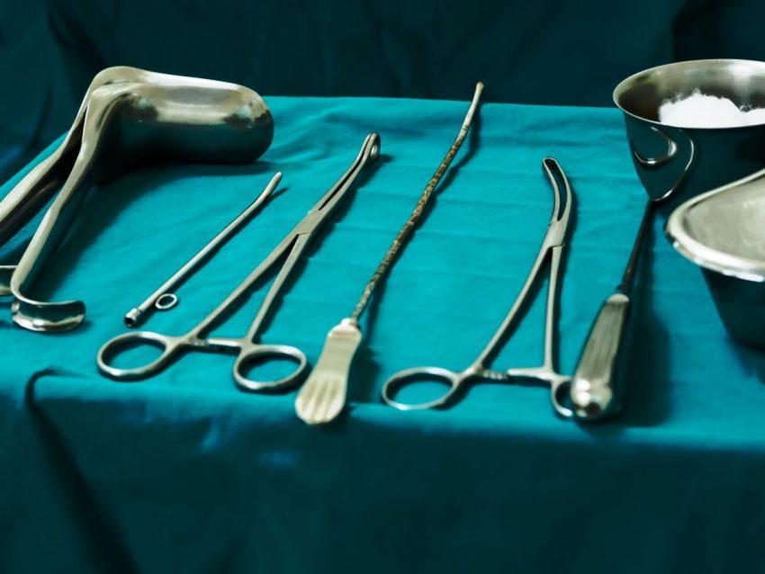 ustensile cabinet medical