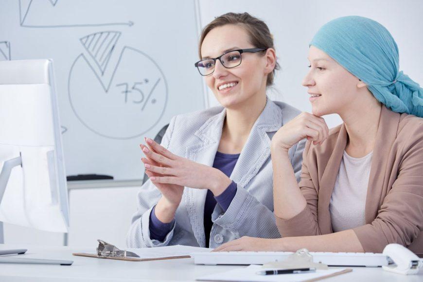 femeie oncolog