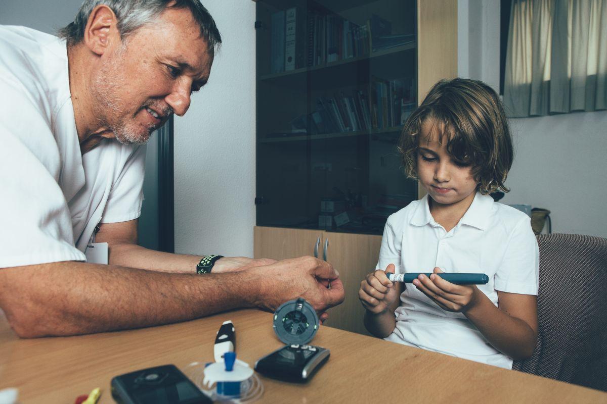 copil insulina medic diabet
