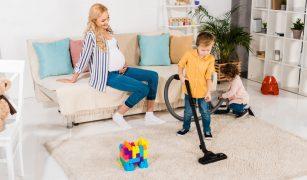 gravida copii treburi casnice
