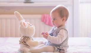 bebelus 6 luni