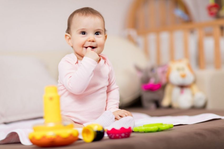 bebelus 9 luni