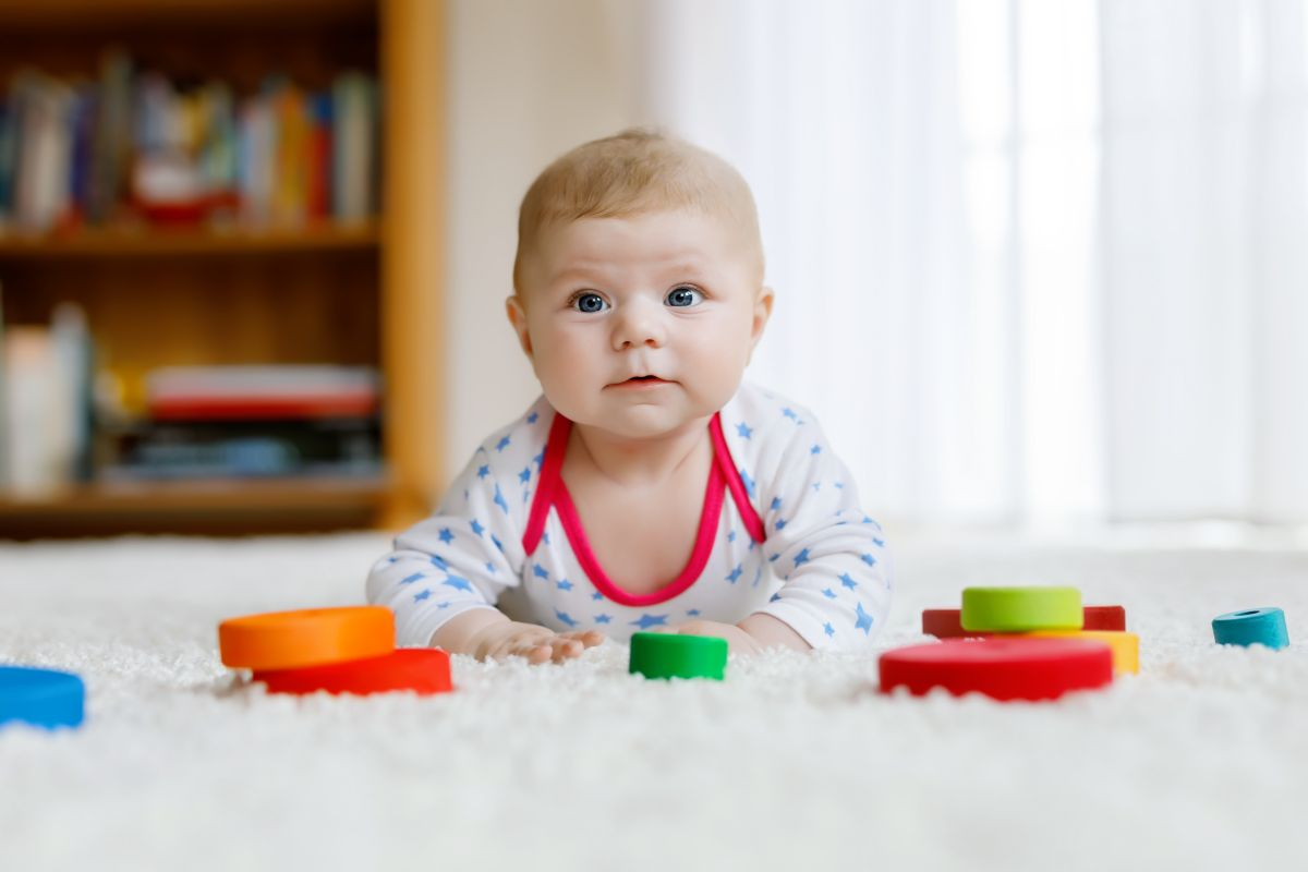 bebelus 3 luni