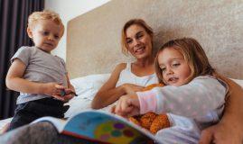 Mamele în concediu de creștere copil pot fi și bone plătite
